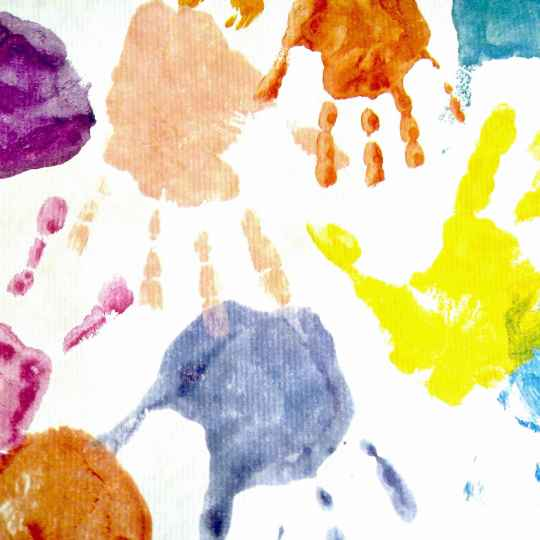 hand-197895_1920